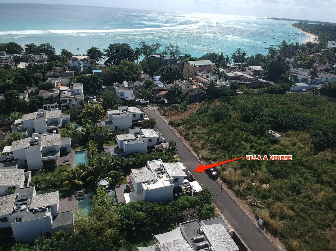 RES Villa accessible to foreigners - Trou aux Biches