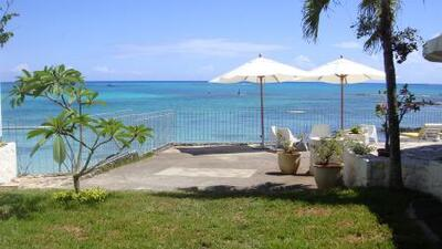 Holiday rental Charming beachfront villa - Pointe aux Canonniers
