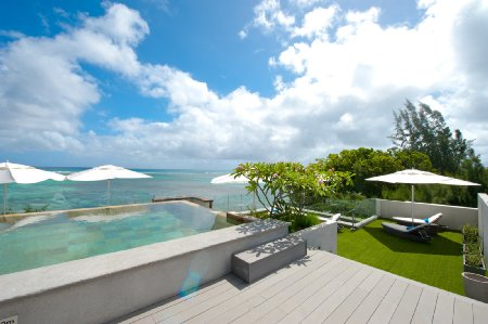 Penthouses and Apartments feet in the water - Pereybere