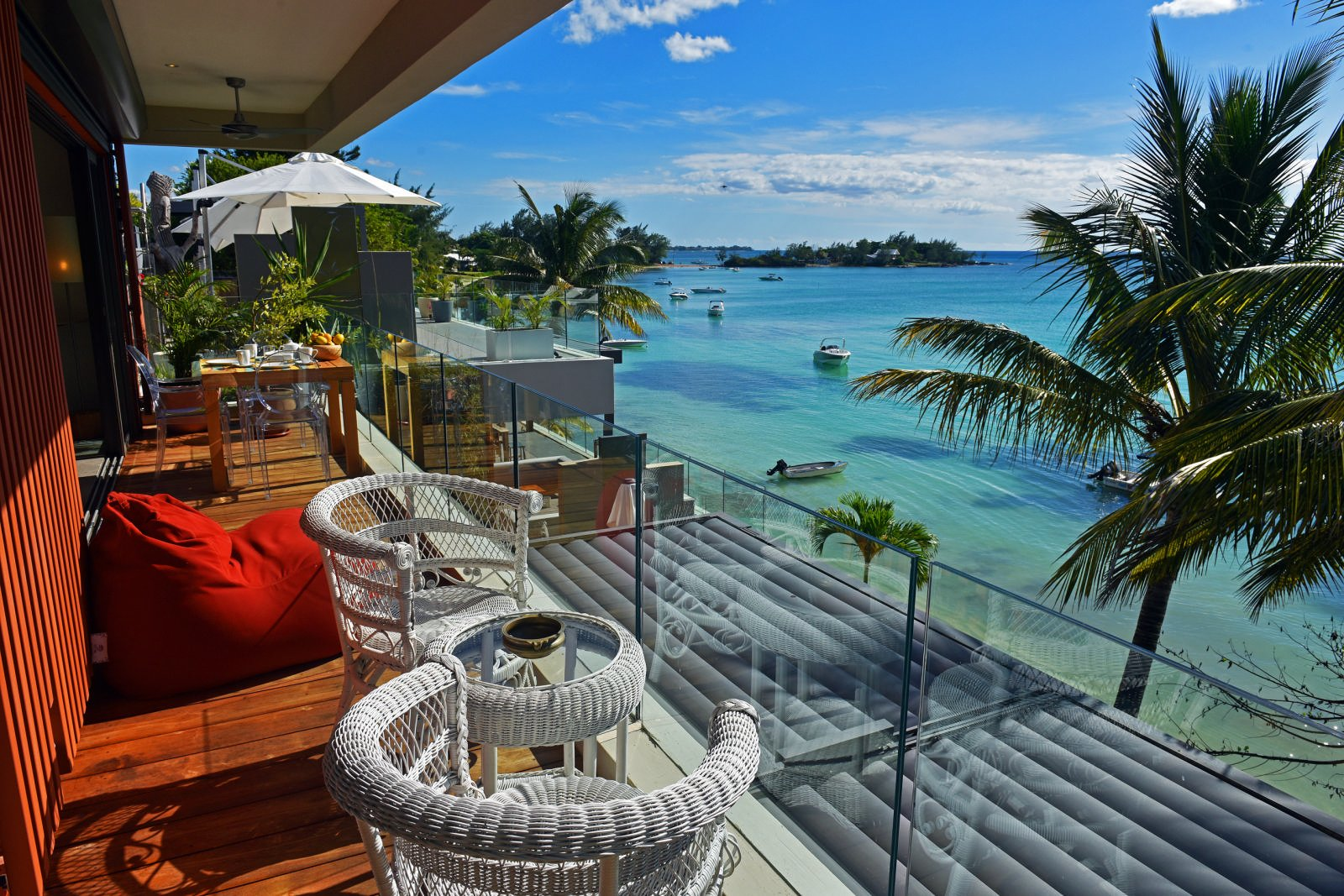 Beachfront Penthouses and Apartments - Pereybere