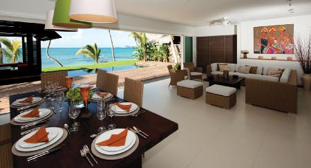 Luxury beachfront villa - Pointe aux Canonniers