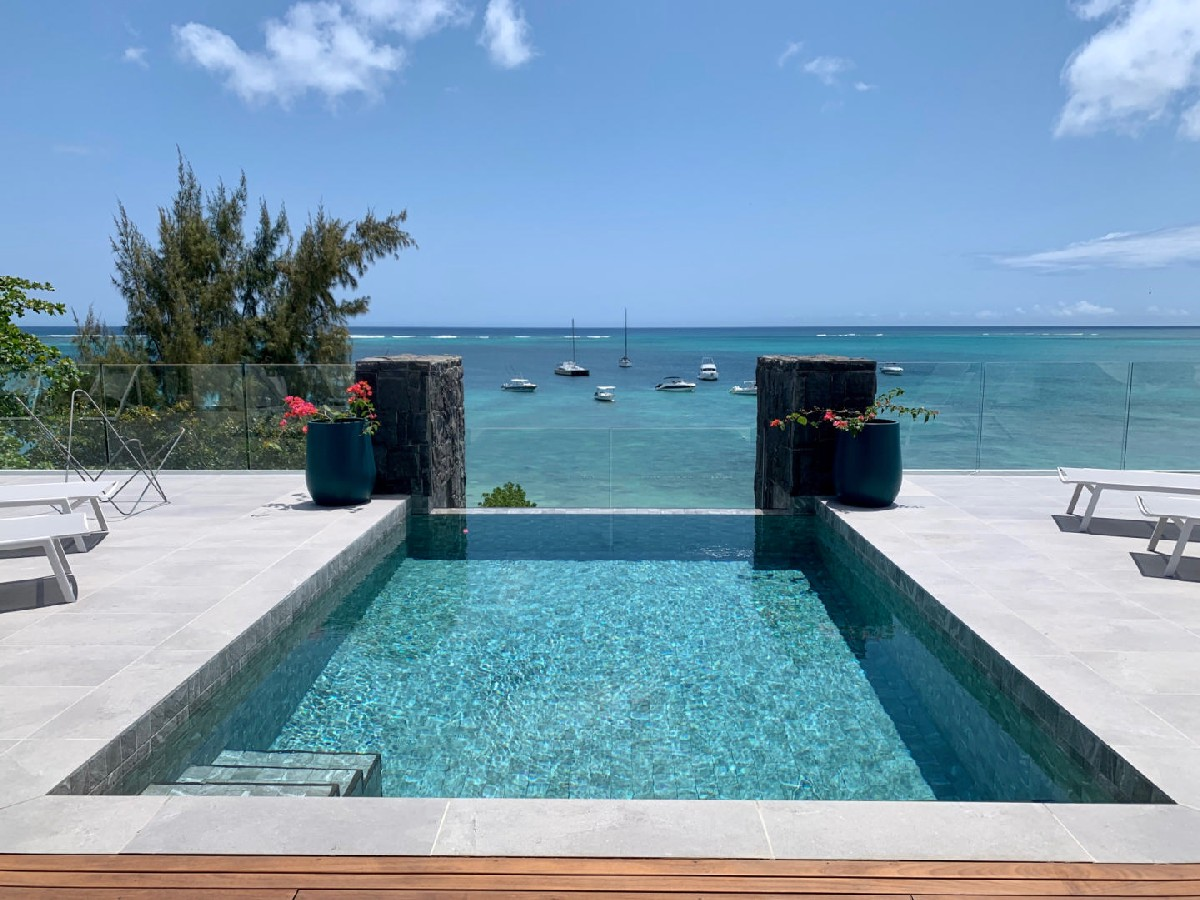 For rent Beachfront Penthouses and Apartments Mont Choisy