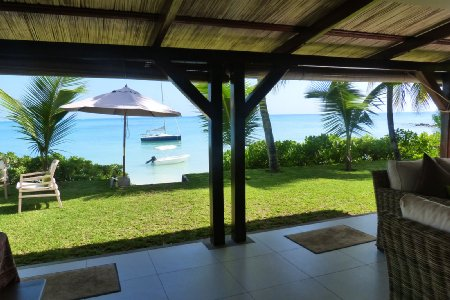 Charming beachfront villa - Grand Bay