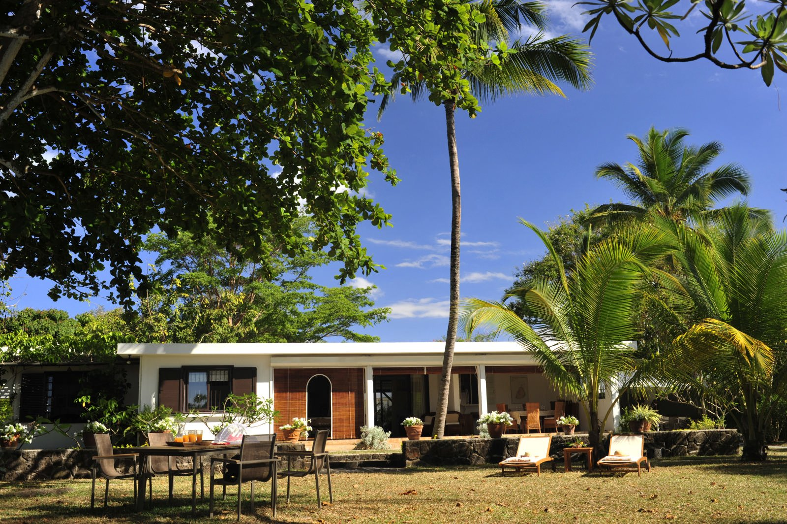 Charming beachfront villa - Mont Choisy