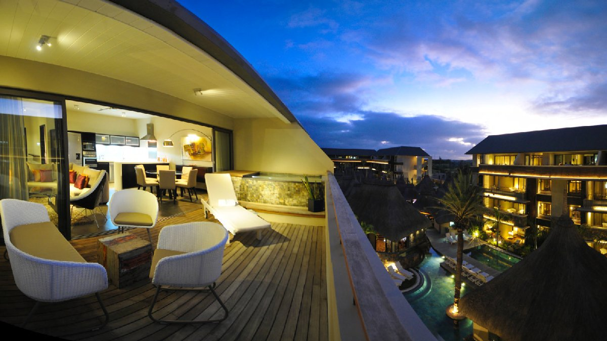 Beachfront Penthouses and Apartments - Grand Bay