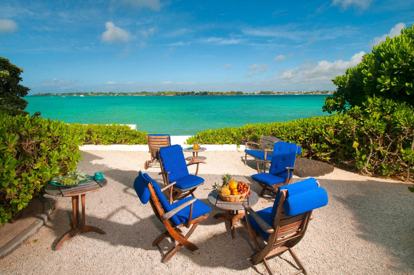 For rent Charming beachfront villa Pointe aux Canonniers