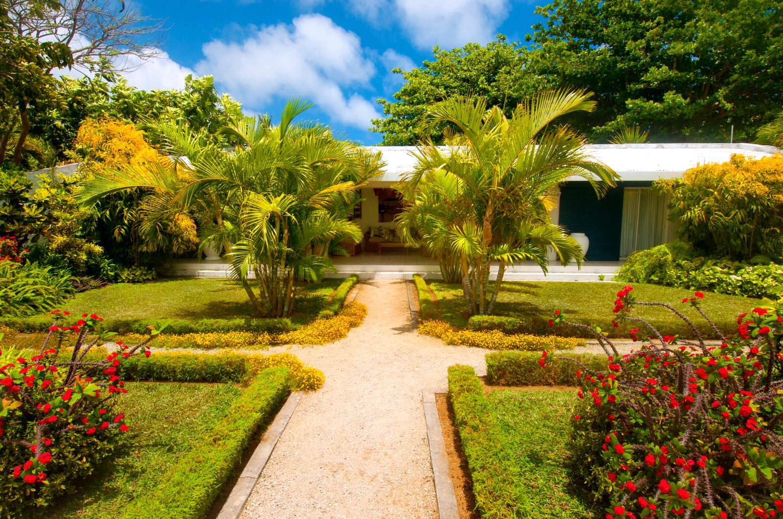 Charming beachfront villa - Pointe aux Canonniers