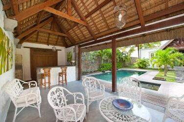 Holiday rental Luxury beachfront villa - Pointe aux Canonniers